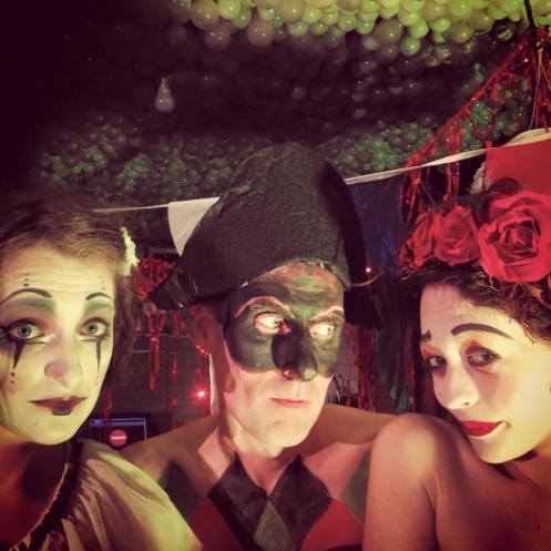 artmacabre-20150418-clowns-01
